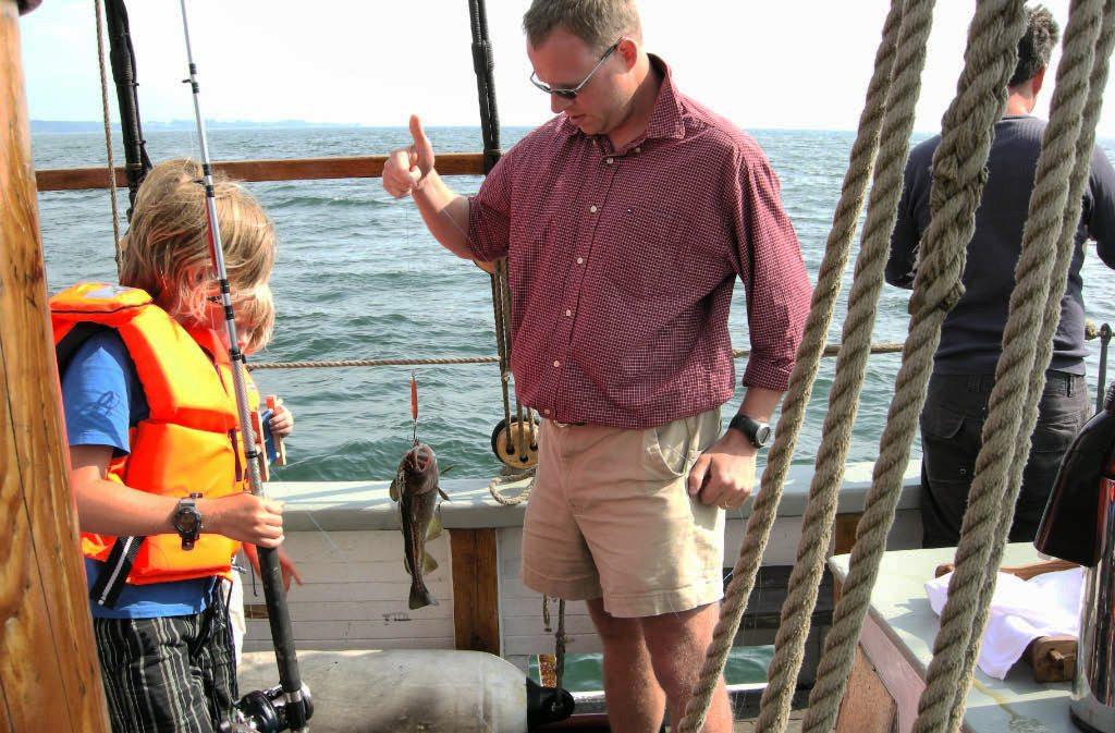 Följ med på fisketur med Klara Marie